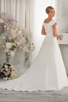 A Line Short Sleeves Organza Modest Wedding Dress with Lace Appliques