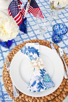Montage: Red, White & Blue Tablescapes | StyleCarrot