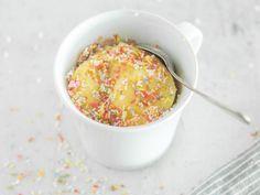 Konfetti-Tassenkuchen