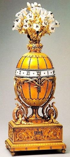 """Faberge Egg 1899 - """"Madonna Lily Clock Egg"""" Nicholas II gift to his wife. Currently in Russia."""