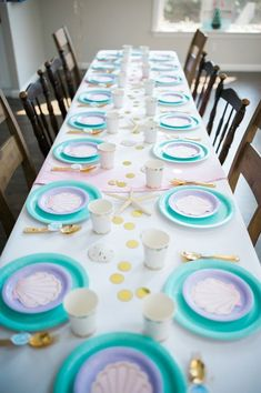 Mermaid Birthday Party Guest tablescape from a Pastel Mermaid Birthday Party on Kara's Party Ideas Mermaid Theme Birthday, Little Mermaid Birthday, Little Mermaid Parties, Mermaid Themed Party, Birthday Party Tables, 6th Birthday Parties, Birthday Ideas, Themed Parties, Girls Birthday Party Themes