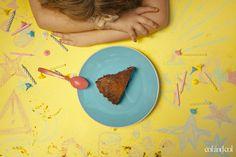 Cheesecake de chocolate Y nunca fue nadie a su cumpleaños. El problema de vivir en el prodigio no es lo que se sabe es lo que se comprende y la herida de lo que se recuerda. Nadie necesita prodigios y si se necesitan alguna vez, tienes que demostrarlo