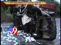 2 killed, 6 injured in road accident