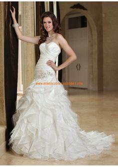 Belle robe de mariée évasé 2013 avec traîne volants perles organza