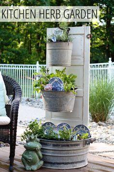 Top 10 Creative DIY Backyard Projects