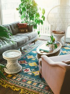 Mid Century Modern Couch and Vintage Moroccan Rug! Love! #MidCenturyModern #TribalRug #Moroccan
