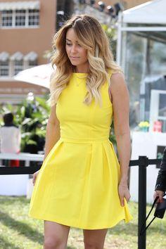 cool С чем носить желтое платье? — Очаровательные образы