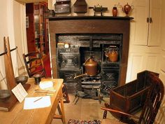 Early Victorian kitchen interior at the Bronte family home in Haworth, Yorkshire Victorian Kitchen, Neo Victorian, 1920s Kitchen, Emily Bronte, Charlotte Bronte, Bronte House, Bronte Parsonage, Info People, British America