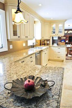 Traditional Antique White Kitchen Cabinets #02 (Kitchen-Design-Ideas.org)