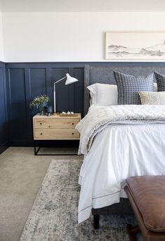 You have a nice living room but no room? And if you partition your living room to create this room you dream? How to create two separate spaces in a room without heavy work? Farmhouse Bedroom Decor, Cozy Bedroom, Home Decor Bedroom, Bedroom Ideas, Bedroom Furniture, Bedroom Designs, Modern Bedroom, Navy Home Decor, Bedroom Vintage