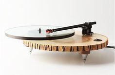 """Mehr Stoff für die Freunde des gepflegten Baumscheiben-Designs: Wenn euch das """"bezaubernde iPhone-Dock aus Holz"""" mit individuellem Ast zu neumodisch"""