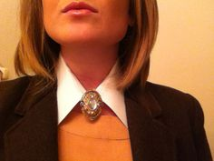 Mag's Rags to Riches - http://magsragstoriches.com/diy-collar-necklace/