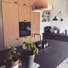 "179 Synes godt om, 10 kommentarer – &SHUFL (@andshufl) på Instagram: ""Repost from @_sandsandsandbjerg_ who just got a kitchen where wood and linoleum are beautifully…"""