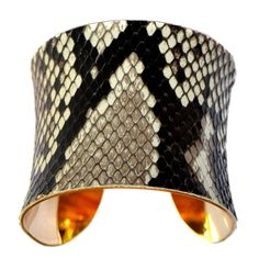 """This beautful braclet would look amazing with our Classic Bag and the shell  """"Stella"""" that can be found on shopcindy.miche.com.  The Classic Shell is only $29.95"""