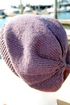super simple slouchy beanie {free knitting pattern} More