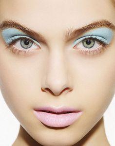 blue eyeshadow + light pink lips #pastel