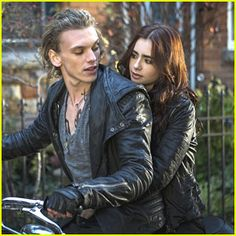 Jamie Campbell Bower and Lily Collins as Jace and Clary~ The Mortal Instruments