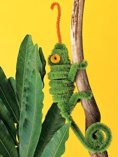 Turn colorful pipe cleaners into small, fuzzy forest and jungle animals. http://www.parents.com/fun/arts-crafts/kid/martha-stewart-pipe-cleaner-pals/?socsrc=pmmpin130625cPipeCleanerAnimals