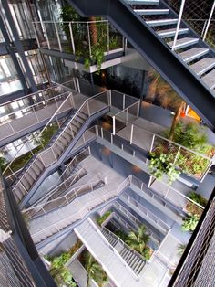 06-Vertical-garden-of-Renaissance-Barcelona-Fira-Hotel-by-Jean-Nouvel