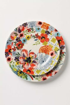 This is the first patterned dishes I have found that I love!! Maybe I will ask for something like this soon!