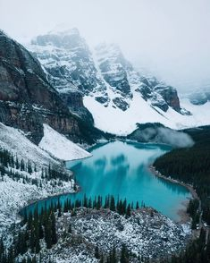 How beautiful is this? This is the Moraine Lake in Canada. The color of the water looks amazing! Lac Canada, Nature Photography, Travel Photography, Moraine Lake, Lake Moraine Canada, Winter Scenery, Banff National Park, Canada National Parks, Beautiful Places To Travel