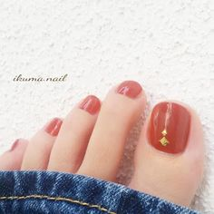 Attention to the semi-permanent varnish - My Nails Pretty Toe Nails, Cute Toe Nails, Pretty Toes, Love Nails, My Nails, Feet Nail Design, Toe Nail Designs, Minimalist Nails, Foot Pedicure