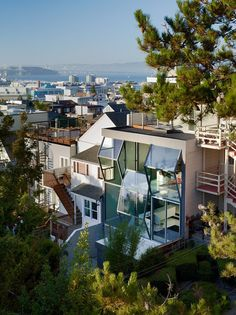 Awesome House Architecture In The City: Modern House In San Francisco Applied Unique Architecture Use Clear Glass Panels Between Many Awesom...