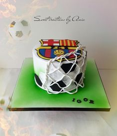 Fc Barcelona cake by Ania - Sweet creations by Ania The Effective Pictures We Offer You About Cake Design fondant A quality picture can tell you many things. You can find the most beautiful pictures t Birthday Cakes For Men, Football Birthday Cake, Birthday Cupcakes, Football Cakes For Boys, Boys Cupcakes, Soccer Cakes, Birthday Parties, Pastel Del Barcelona, Barcelona Cake