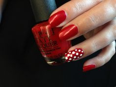 Minnie Manicures Are Dots Of Fun