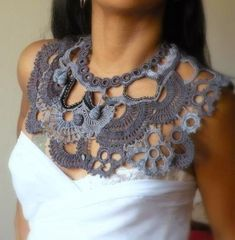 Diy Crafts - Crochet collar -- If I could crochet, I would do this in a soft feeling yarn. Col Crochet, Crochet Diy, Freeform Crochet, Irish Crochet, Crochet Shawl, Crochet Ideas, Crochet Scarves, Crochet Clothes, Crochet Designs
