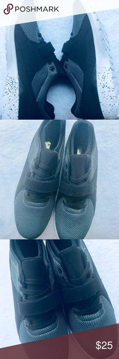 Men's lightweight Carbon Elements Sneakers These are so light, feels like feathers. Size 12 with laces and extra strap for adjusting width. My hubby loves these type of tennis shoes for workouts or just a lot of walking. Great buy. Carbon Elements Shoes Athletic Shoes