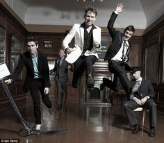 (from left) Paul Thomson, Bob Hardy, Alex Kapranos and Nick McCarthy = Franz Ferdinand