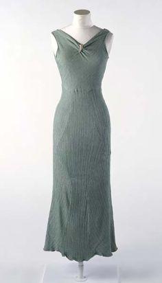 Evening Dress, Mrs. Lilian Lipley: ca. 1929-1933, British, bias-cut rayon.