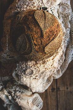 Coconut sourdough bread, made with coconut water, grated coconut, bread flour and rimacinata. Sourdough Bread Starter, Sourdough Recipes, Spoon Bread, Coconut Flour Bread, Fresh Bread, Sweet Bread, Artisan Bread Recipes, Bread Art, Braided Bread