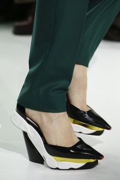 Christian Dior Fall 2014 RTW - Details - Fashion Week - Runway, Fashion Shows and Collections - Vogue