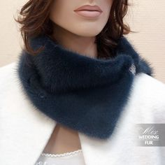 Lace Dress Styles, Fur Accessories, Quirky Fashion, Poncho, Collar And Cuff, Bandanas, Fur Collars, Neck Warmer, Scarf Styles