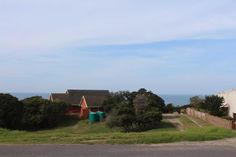This vacant land in an elevated position offers beautiful sea views in a well established part of Port Alfred. Close to the beach as well as to all amenities. Plots For Sale, Vacant Land, Country Roads, Sea, Beautiful, The Ocean, Ocean