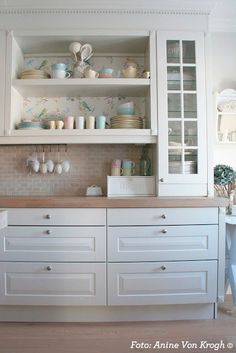 You searched for label/Kjøkken - Villa Von Krogh Kitchen Cabinet Inspiration, Kitchen Cabinet Design, Modern Kitchen Design, Kitchen Cabinets, Open Plan Kitchen Dining Living, Kitchen Dinning Room, Kitchen Decor, Updated Kitchen, New Kitchen