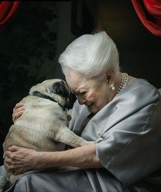 "olivia-de-havilland: """"Dame Olivia de Havilland with her dog Oscar photographed by Laura Stevens, 2018 "" "" Olivia De Havilland, Kirk Douglas, Cute Baby Animals, Animals And Pets, Grumble Of Pugs, Pet Dogs, Dogs And Puppies, Pugs And Kisses, Cute Pugs"