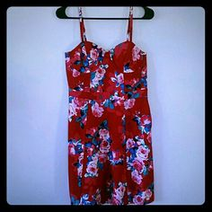 Jessica simpson fit and flare dress Brand new with tags. Gorgeous floral blossom bustier type dress with adjustable straps. Side zipper, back slightly stretchable. 97% cotton and 3% elastane. Just discounted! Jessica Simpson Dresses Midi