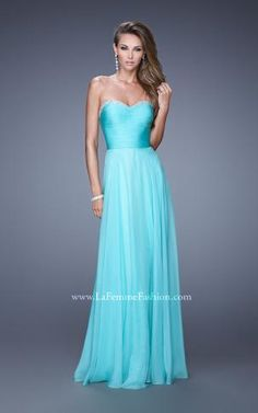 We have the 2017 prom dress in a store near you. Unique evening gowns for prom, including short dresses, two piece prom dresses, and mermaid styles. Kids Prom Dresses, Prom Dresses 2015, Green Bridesmaid Dresses, Evening Dresses, Blue Bridesmaids, Long Dresses, Bridal Dresses, Formal Dresses, Pageant Gowns