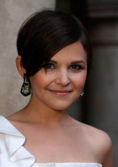 Ginnifer Goodwin hairstyle I would love if I ever muster up the guts to chop it all off