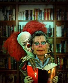 Stephen King & Pennywise the clown Stephen King It, Steven King, Scary Movies, Horror Movies, Good Movies, Arte Horror, Horror Art, Art It, Dr Sleep
