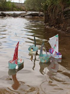 Need help coming up with a way to keep kids entertained at your next family get together?These cute boats would be perfect for a family reunion. Race them across a pool, or out on the creek like I did with mine. Not only are they simple to assemble but you can create several in no time and have enough for the whole family.