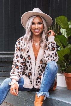 Leopard Cardigan Outfit, Leopard Print Outfits, Cardigan Outfits, Leopard Print Jacket, Outfits With Hats, Mom Outfits, Fall Outfits, Cute Outfits, Beautiful Outfits