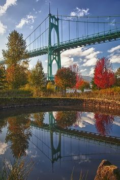 St John& Bridge, Portland, Oregon- I& seen a lot of bridges and this is my favorite! Oregon Washington, Portland Oregon, Oregon Usa, Oh The Places You'll Go, Places To Visit, Beautiful World, Beautiful Places, Oregon Travel, Covered Bridges