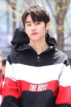 Read Sunwoo's birthday from the story The Boyz Chatroom (ON HOLD) by succseungyoon with reads. new, hwall, kpop. Changmin The Boyz, Ji Hoo, Kim Sun, Fandom, Korean Music, Korean Idols, Kpop Boy, Handsome Boys, Kpop Groups