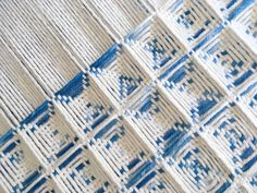 Sinking into some waffle weave + testing out all 8 harnesses Floor Patterns, Weaving Patterns, Textile Patterns, Textile Design, Crochet Patterns, Loom Weaving, Hand Weaving, Woven Scarves, Textile Texture