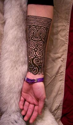 kayan by Nomad Heart Henna, via Flickr