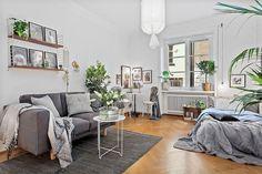 Cool 55 Inspiring Grey Studio Apartment Decorating Ideas on a Budget https://lovelyving.com/2017/09/24/55-inspiring-grey-studio-apartment-decor-ideas-budget/